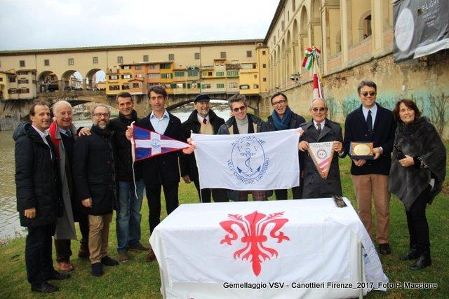 Gemellaggio sull'Arno tra le Vele Storiche Viareggio e la Canottieri Firenze